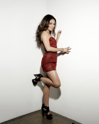 Mila Kunis Photo Wallpaper for Nokia Lumia 610
