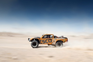 Free Off Road Tracing Truck Picture for 1080x960