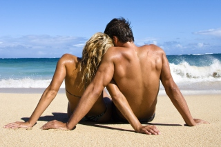 Free Romantic Beach Time Picture for Android, iPhone and iPad