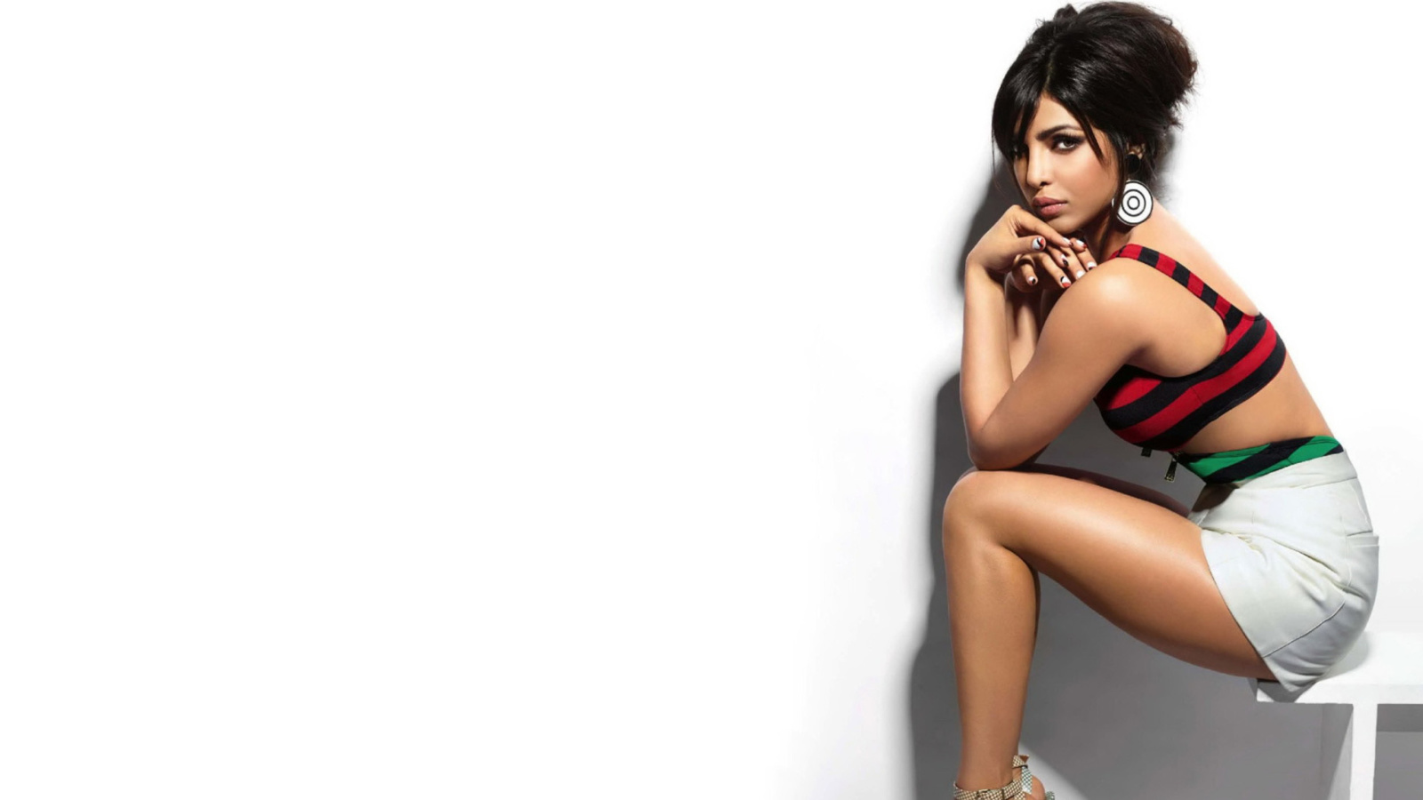 Screenshot №1 pro téma Priyanka Chopra Beautiful Indian Girl 1600x900