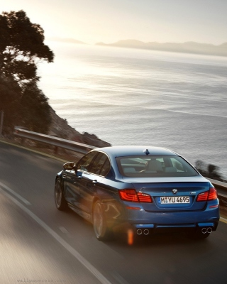 Free BMW M5 F10 Sedan Picture for 240x320