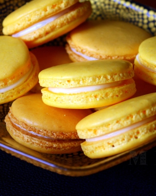 Yellow Macarons sfondi gratuiti per iPhone 5