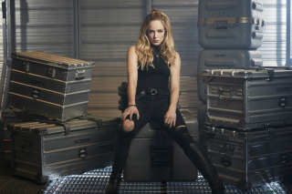 Caity Lotz in Legends of Tomorrow Wallpaper for Android, iPhone and iPad