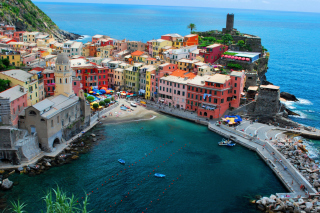 Comune Riomaggiore Background for Android, iPhone and iPad