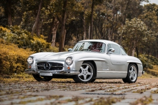 Mercedes Benz 300 SL Background for Android, iPhone and iPad