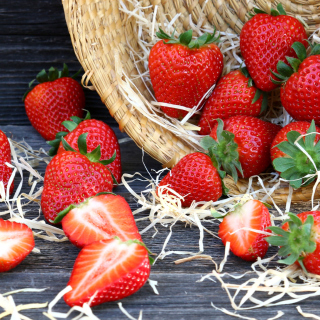 Strawberry Basket sfondi gratuiti per iPad mini