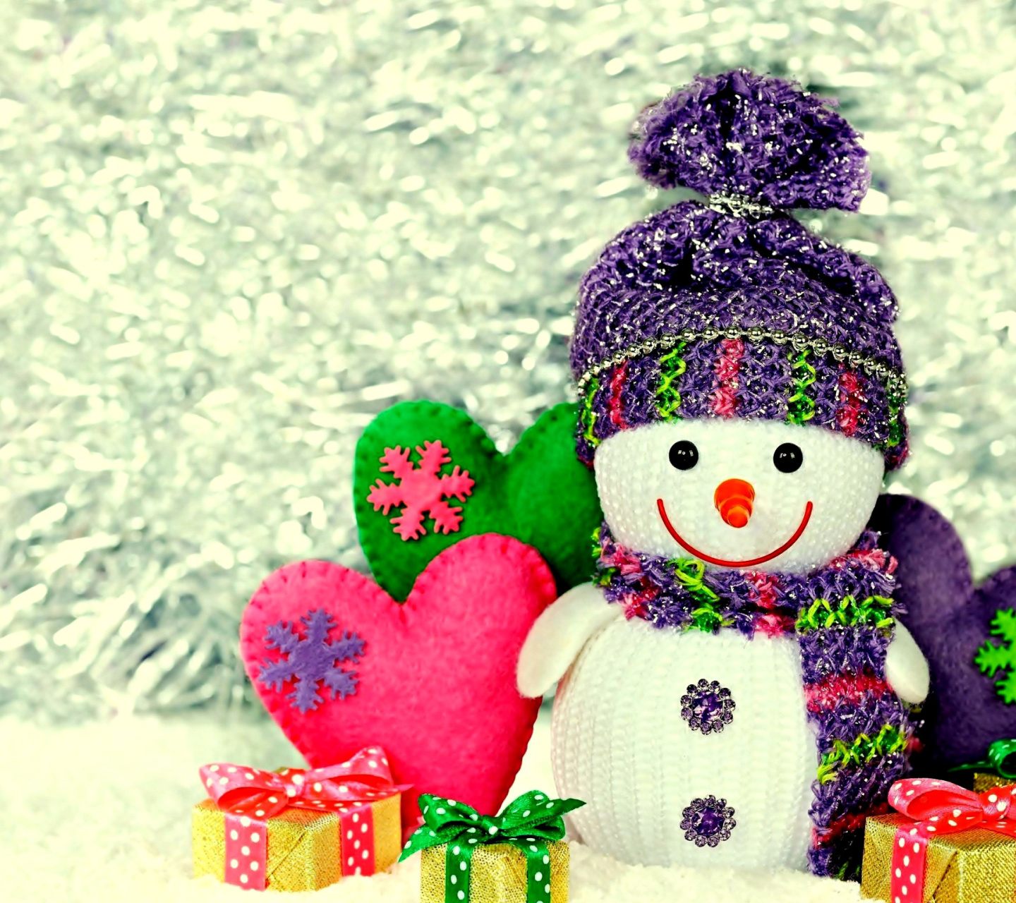 Screenshot №1 pro téma Homemade Snowman with Gifts 1440x1280