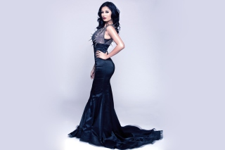 Kostenloses Gorgeous Kim Lee In Black Dress Wallpaper für Android, iPhone und iPad