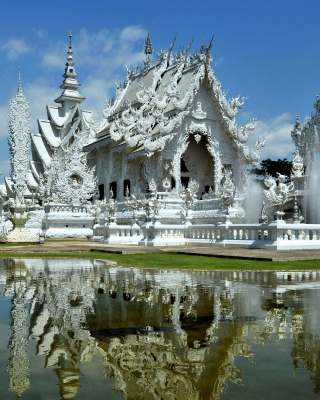 Wat Rong Khun Background for HTC Titan