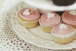 Hearty Cupcake sfondi gratuiti per cellulari Android, iPhone, iPad e desktop