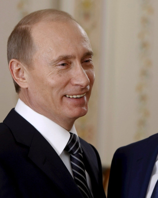 Free Vladimir Putin Russian President and Dmitry Medvedev Picture for HTC Titan