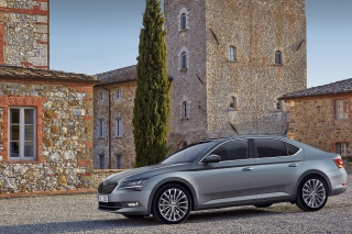 Free Skoda Superb 2016 Picture for 480x400