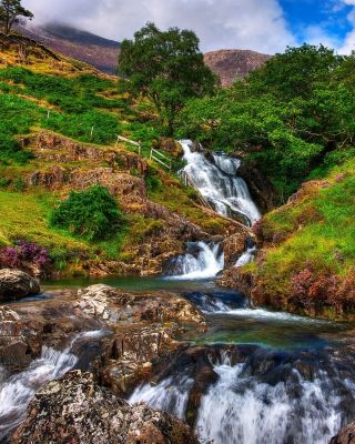 Free Snowdonia National Park in north Wales Picture for iPhone 6 Plus