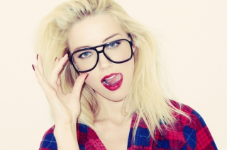 Blonde In Black Glasses sfondi gratuiti per cellulari Android, iPhone, iPad e desktop
