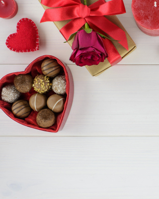 New Years Eve Box of Chocolates Background for 480x800