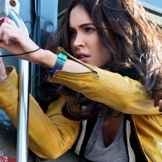 Megan Fox In Teenage Mutant Ninja Turtles - Obrázkek zdarma pro iPad 3