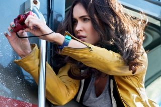 Megan Fox In Teenage Mutant Ninja Turtles - Obrázkek zdarma pro Samsung T879 Galaxy Note