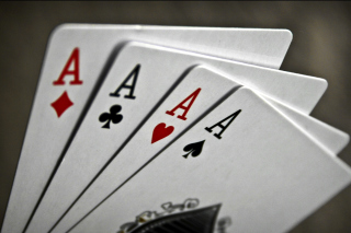 Deck of playing cards sfondi gratuiti per Motorola DROID 3
