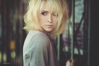 Kostenloses Short Hair Blonde Wallpaper für Android, iPhone und iPad