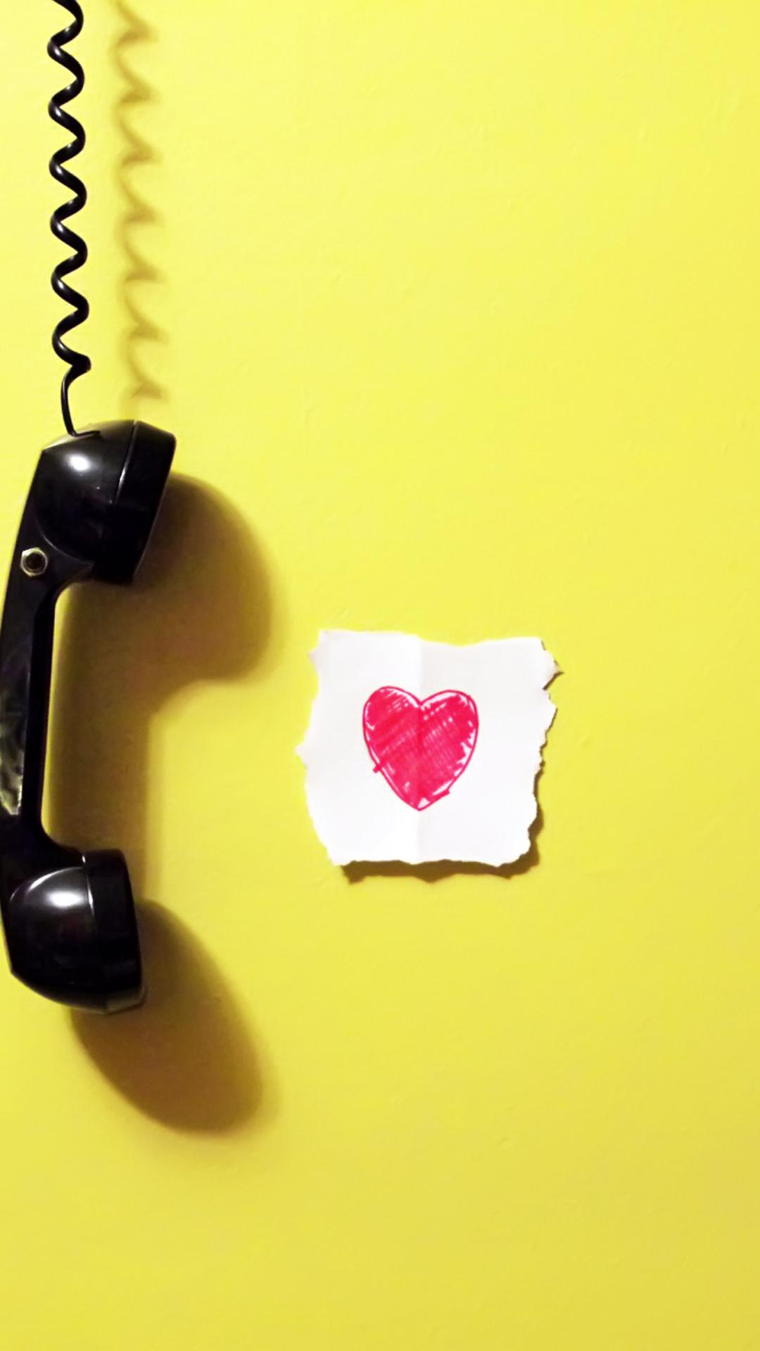 бывают картинки для телефона звонит мужу на мобильник играет пианино эрху