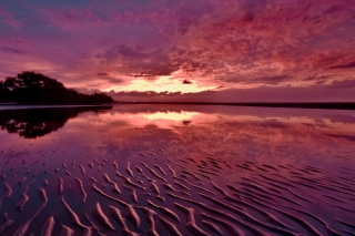 Red Sunset and Lake Surface - Fondos de pantalla gratis