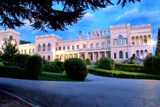 Livadia Palace in Crimea Background for Android, iPhone and iPad