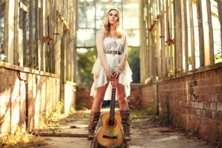 Free Girl With Guitar Chic Country Style Picture for Android, iPhone and iPad