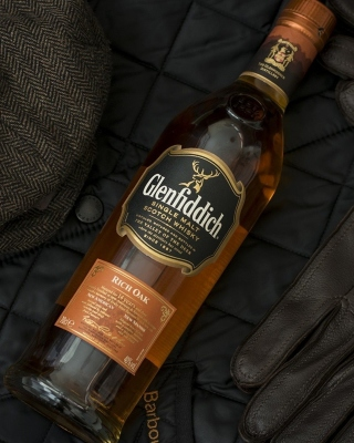 Glenfiddich single malt Scotch Whisky sfondi gratuiti per iPhone 4S