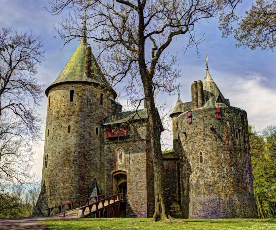 Screenshot №1 pro téma Castell Coch in South Wales 960x800