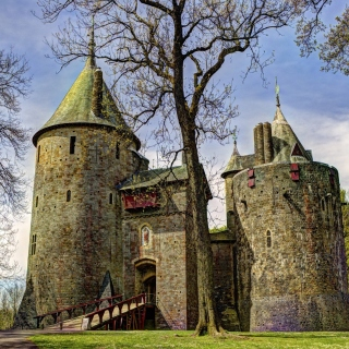 Castell Coch in South Wales sfondi gratuiti per iPad 3