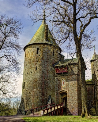 Обои Castell Coch in South Wales для телефона и на рабочий стол HTC Trophy