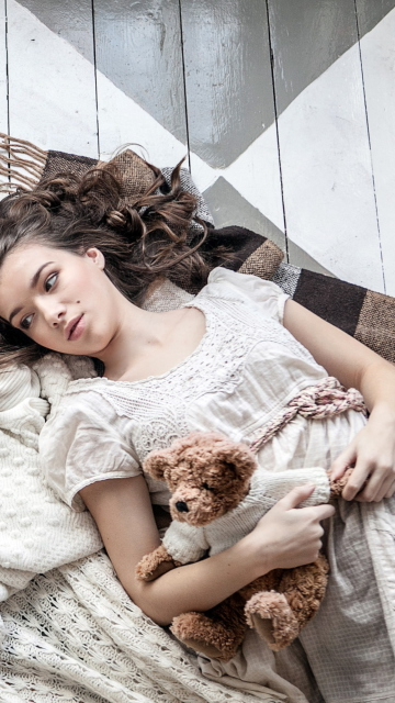 Romantic Girl With Teddy Bear screenshot #1 360x640