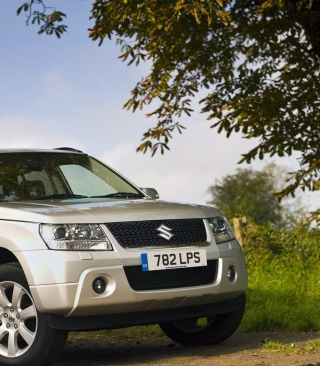 Suzuki Grand Vitara Background for 640x960