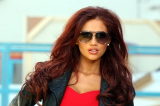 Free Amy Childs Picture for Android, iPhone and iPad