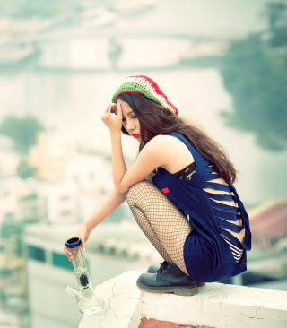 Asian Girl On Roof - Fondos de pantalla gratis para Nokia Asha 503