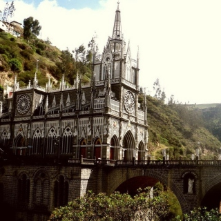 Las Lajas Sanctuary Church Colombia sfondi gratuiti per iPad mini
