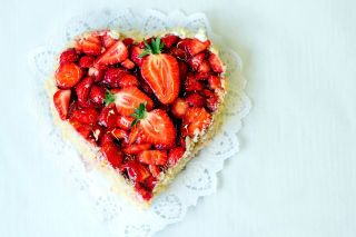 Kostenloses Heart Cake with strawberries Wallpaper für 1600x900