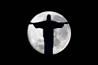 Kostenloses Full Moon And Christ The Redeemer In Rio De Janeiro Wallpaper für 1280x720