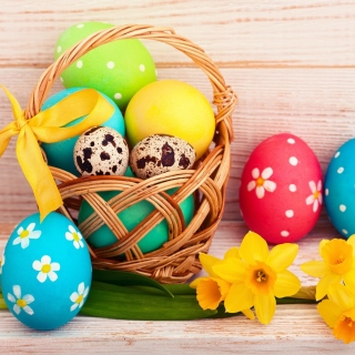Easter Spring Daffodils Flowers and Eggs Decorations - Fondos de pantalla gratis para iPad 2