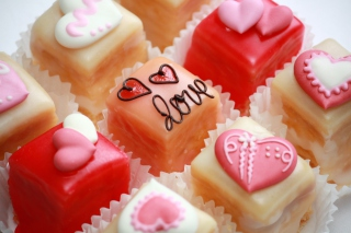 Free Love Cupcakes Picture for Android, iPhone and iPad