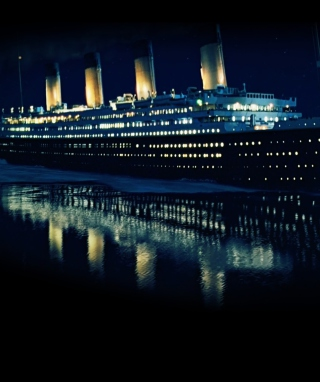 Free Titanic Picture for 240x320