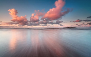 Beautiful Pink Clouds Over Sea - Obrázkek zdarma pro Widescreen Desktop PC 1280x800