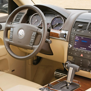 Free Volkswagen Touareg v10 TDI Interior Picture for iPad