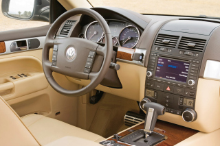 Free Volkswagen Touareg v10 TDI Interior Picture for Android, iPhone and iPad
