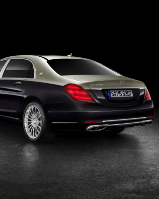 Kostenloses Mercedes Maybach S560 2018 Wallpaper für iPhone 5
