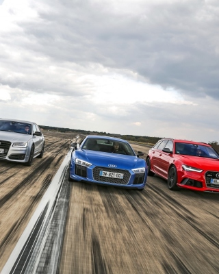 Audi RS 7, RS 6, R8 sfondi gratuiti per iPhone 6 Plus