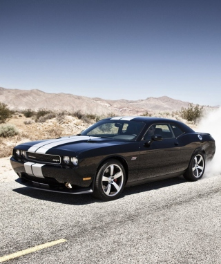 Free Dodge Challenger Srt8 Picture for iPhone 6 Plus