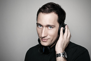 Free Paul Van Dyk Headphones Picture for Android, iPhone and iPad