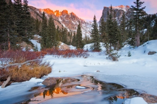 Colorado Winter Mountains Background for Android, iPhone and iPad