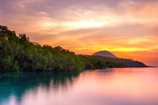 Free Manado North Sulawesi in Indonesia Picture for 1920x1080